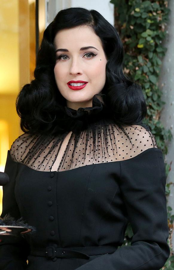 4469d493705 Style on a Budget  Dita Von Teese – Rarely Wears Lipstick