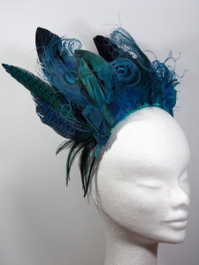 Feather headdress by Anna Dominoes